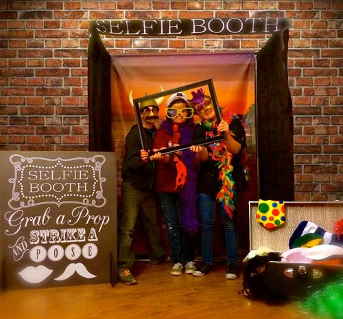 Selfie Photo Booth Rental Milwaukee Wisconsin